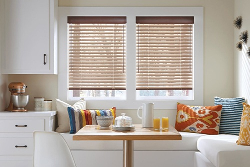 Horizontal blinds in kitchen