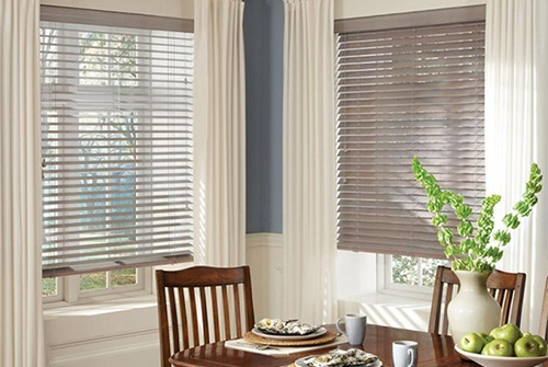 Horizontal blinds in dining room